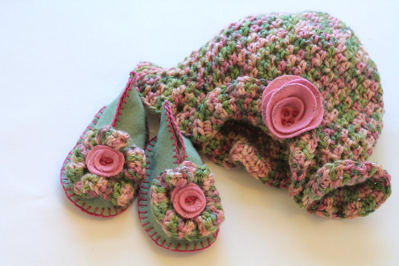 Adorable Baby Booties and Beanie Hat Set, set for girls, rose garden colors, rose, pink, celadon, spruce